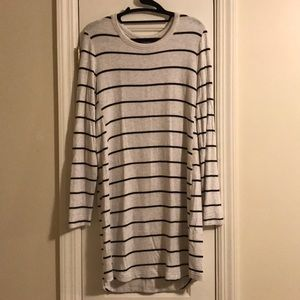 Lou and Grey Black'n'White Striped Stretchy Dress